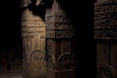 Spalten des hinduistischen Tempels Stockfotos