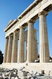 Spalten des Parthenons in Athen Stockbilder