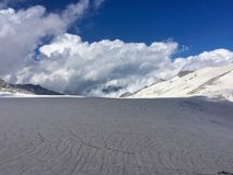 Spalten im adamello Gletscher, italienische Alpen Lizenzfreie Stockfotos