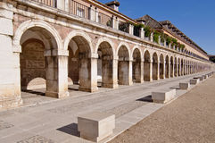 Spalten in Royal Palace quadrieren in Aranjuez, Spanien Lizenzfreies Stockfoto