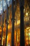 Spalten von Sagrada FamÃlia im Abend-Licht lizenzfreie stockfotografie