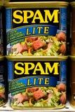 Spam Lite sullo scaffale di drogheria immagine stock