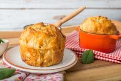 Spanakopita - греческий пирог шпината с фета и рикоттой Стоковые Изображения RF