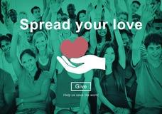 Spanda le vostre mani amiche di amore donano il concetto Fotografia Stock