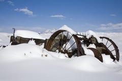 Spandiletame nella banca della neve Fotografie Stock Libere da Diritti