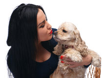 Spanie americano de beijo da menina bonita fotos de stock