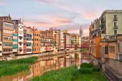 spanien Ansicht von der Brücke in Girona Lizenzfreies Stockfoto