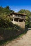 Spanien Asturias, Cornellana, horreo - traditionell ladugård Arkivfoto