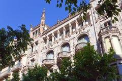 Spanien. Barcelona. Forntida byggnad Arkivfoton