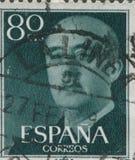 SPANIEN - CIRCA 1949: Stämpeln skrivev ut, i uppvisning av en stående av general Francisco Franco 1892-1975 Fotografering för Bildbyråer