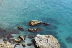 Spanien, Costa Del Sol Das Meer am Erholungsort von Nerja lizenzfreies stockbild