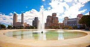 Spanien fyrkant av Santa Cruz. Tenerife ö, kanariefåglar Royaltyfri Bild