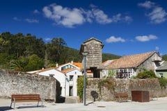 Spanien Galicia, Corcubion, horreo - traditionell ladugård Fotografering för Bildbyråer