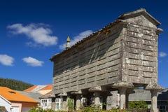 Spanien Galicia, Corcubion, horreo - traditionell ladugård Royaltyfri Foto