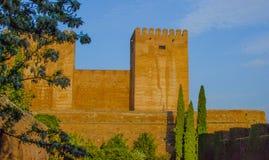Spanien, Granada, morisk fästning, slottnärhet till Alhambra jordning och trädgårdar arkivfoto