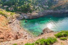 Spanien Majorca Cala de Deia strand fotografering för bildbyråer
