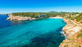 Spanien Majorca strandfjärd av Cala Romantica, Balearic Island royaltyfri bild