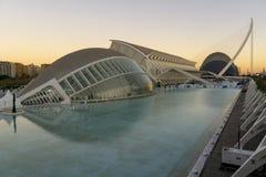 Spanien staden av konster och vetenskaper av den Valencia solnedgången royaltyfri fotografi