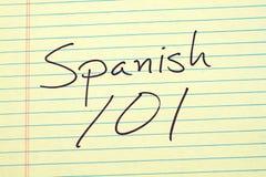 Spanisch 101 auf einem gelben Kanzleibogenblock Lizenzfreie Stockfotos