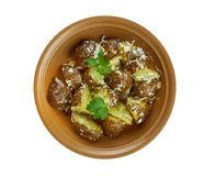 Spanisch gebratener Kartoffel-Salat stockbild