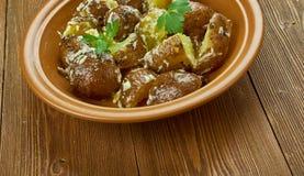 Spanisch gebratener Kartoffel-Salat stockfotografie
