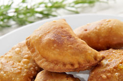 Spanische empanadillas, kleines Fleisch oder Thunfischtorten lizenzfreies stockbild