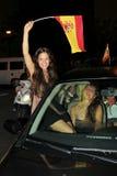 Spanische Gebläse, die Fußballweltmeister feiern Stockfotografie