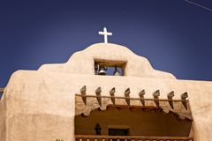 Spanische Kirche im alten New Mexiko Stockfotografie