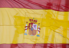 Spanische Markierungsfahne mit Takelungschattenbild Stockfotos