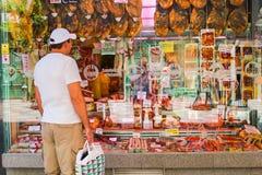 Spanische Salami und Fleischwaren der Vielzahl Stockbild
