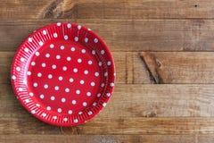 Spanische Teller mit roten Tupfen Stockfotografie