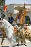 Spanischer Cowboy zu Pferd während der Eröffnungstagparade unten State Street, Santa Barbara, CA, alte spanische Tagesfiesta, 3.- Stockfotografie