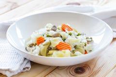 Spanisches Art Veggie-Eintopfgericht Menestra de Verduras Diät und gesundes Lebensmittelkonzept lizenzfreie stockfotos