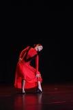 Spanisches Mädchen mit Gebläsetänzen ein Flamenco, Abbildung lizenzfreie stockfotografie