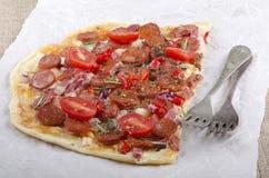 Spanisches tarte flambee mit Chorizo Lizenzfreies Stockbild