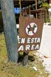 Spanisches Zeichen, das Hunde an einem Bereich verhindert Stockbilder