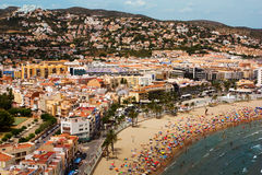 Spanish coastal resort town. View of the sea and the roofs of the Spanish seaside goroda Royalty Free Stock Photography