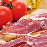 Spanish pa amb tomaquet with serrano ham Royalty Free Stock Photos