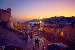 Spanje, Castellon, Peñiscola, Middellandse Zee, kasteel, zonsondergang stock afbeeldingen