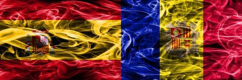 Spanje versus zij aan zij geplaatste de rookvlaggen van Andorra Dik gekleurd royalty-vrije illustratie