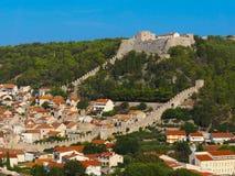 Spanjola fästning på den Hvar bergöverkanten, Kroatien royaltyfri bild