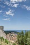 Spanjola fästningväggar och Hvar stad Arkivfoton