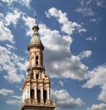 Spanjorfyrkant i Seville, Andalusia, Spanien gammal landmark royaltyfria foton