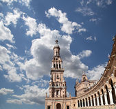 Spanjorfyrkant i Seville, Andalusia, Spanien gammal landmark royaltyfri foto