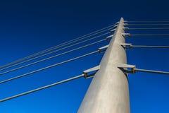 Spanne der Brücke auf blauem Himmel lizenzfreies stockfoto