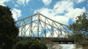 Spannen-Geschichten-Brücke Timelapse stock footage