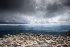 Spanningsrots met wolk Stock Afbeeldingen