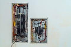 Spannungsschalttafel mit den Leistungsschaltern elektrisch stockfoto