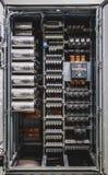 Spannungsschalttafel mit Leistungsschaltern lizenzfreie stockbilder