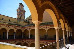 Spansk arkitektur arkivfoton